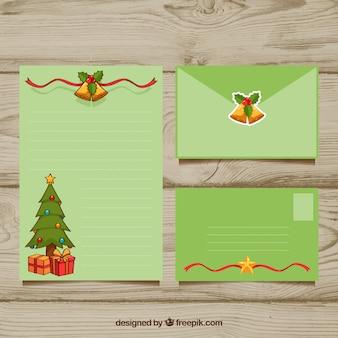 Groene kerstmis brief en envelop sjabloon met een kerstboom