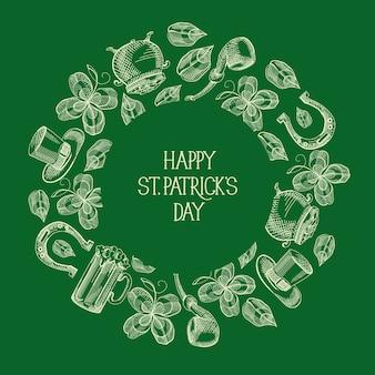 Groene st patricks day ronde wenskaart met inscriptie en hand getrokken traditionele symbolen en elementen vector illustratie