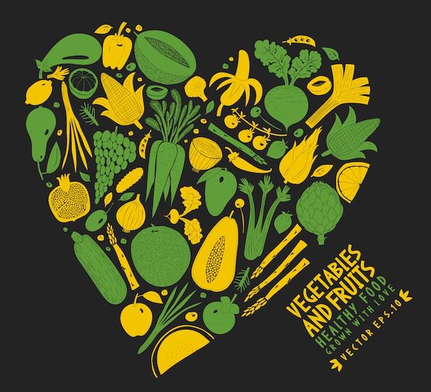 Groenten en fruit gerangschikt in de vorm van een hart