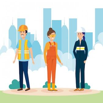 Groep arbeiders in de stad