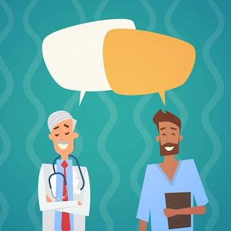Groep mediale artsen chat bubble sociale netwerkcommunicatie team klinieken ziekenhuis