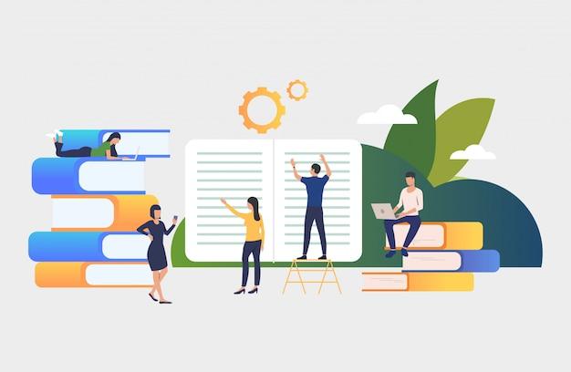 Groep mensen die aan boeken werken