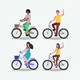 Groep mensen op de fiets
