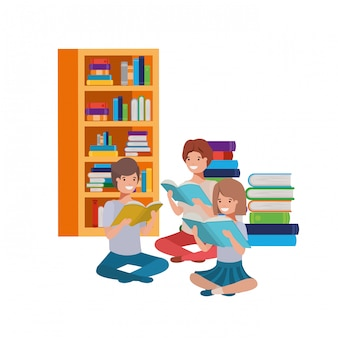 Groep mensen zitten met stapel boeken
