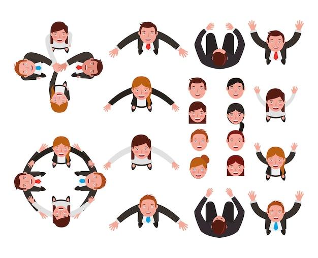 Groep van mensen uit het bedrijfsleven bundelen tekens