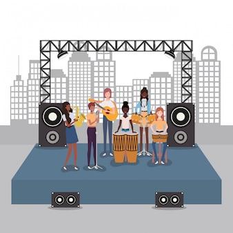 Groep vrouwen muziekband spelen instrumenten