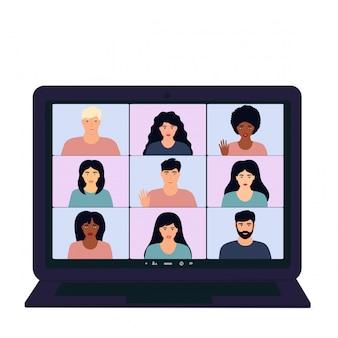 Groepsconferentie videogesprek. multi-etnisch teambijeenkomst vanuit huis tijdens covid-19 coronavirus pandemie