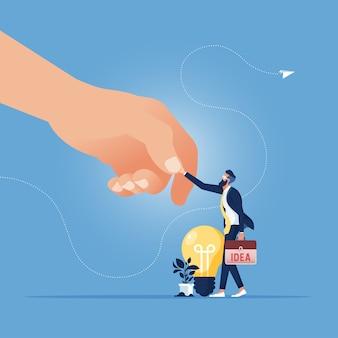 Grote bedrijven schudden de hand met kleine bedrijven zoals de beste ideeënwerker voor grote bedrijven