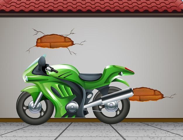 Grote groene motor of motor geparkeerd aan de straat Premium Vector