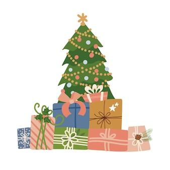 Grote kleurrijke verpakte geschenkdozen stapelen met lintbogen die onder de kerstboom liggen, veel winterhol ...