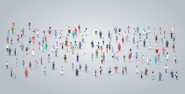 Grote mensen groeperen verschillende bezetting werknemers staan samen arbeiders menigte dag van de arbeid concept horizontale volledige lengte plat