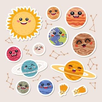 Grote set van schattige cartoon planeten met grappige gezichten stickers. leuke patches of pins collectie. zonnestelsel collectie