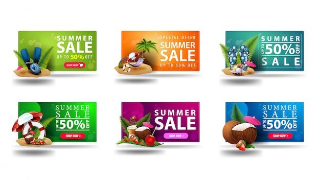 Grote verzameling van kleurrijke volumetrische 3d kortingsbonnen voor de zomer met zomer pictogrammen, knoppen en grote aanbieding geïsoleerd op een witte achtergrond