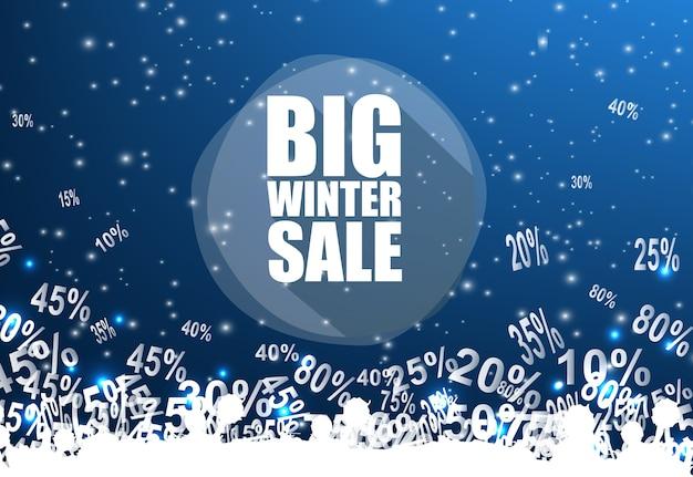 Grote winter verkoop banner over blauwe achtergrond met korting