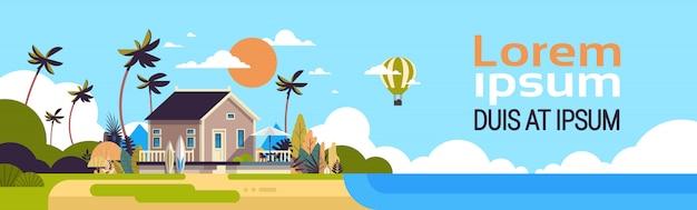 Grote zomer villa huis luchtballon surfplank palmbomen