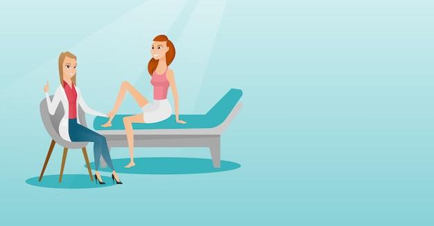Gymnastiek arts die enkel van een patiënt controleert.