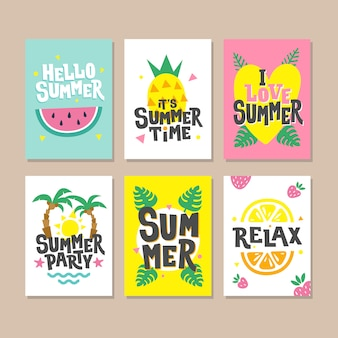 Hallo zomer kaarten. uitnodiging voor feestontwerp met watermeloen, palmbladeren, aardbei, ananas, monsterablad en zon.