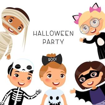 Halloween-feest met kinderen in griezelige monsterskostuums. mummie, kat, skelet, geest en vleermuis stripfiguren.