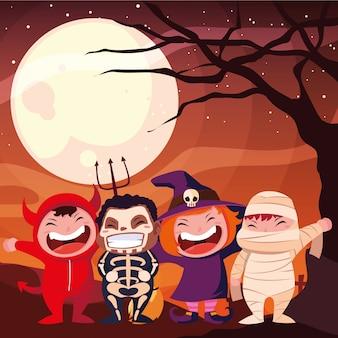 Halloween gekostumeerde kinderen
