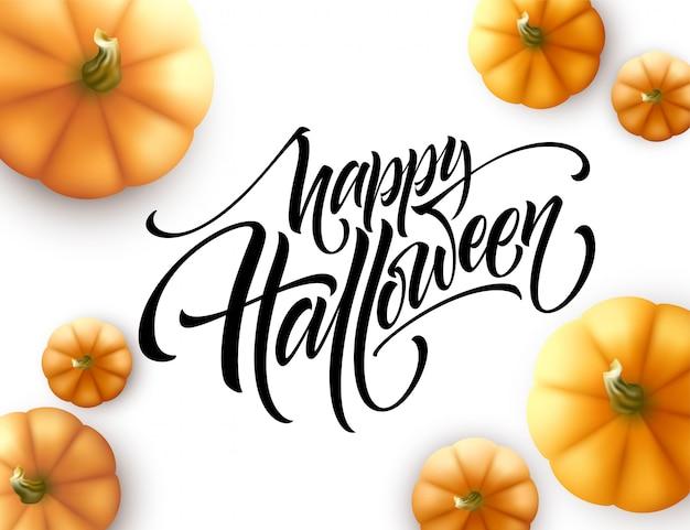 Halloween-het van letters voorzien met pompoen op witte achtergrond wordt geïsoleerd die.