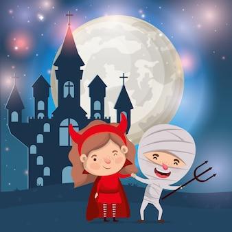 Halloween met kinderen gekostumeerd in donkere kasteelscène