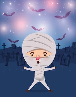 Halloween-seizoenscène met de brij van het jongenskostuum