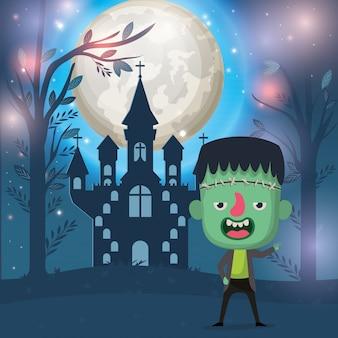 Halloween-seizoenscène met jongenskostuum frankenstein