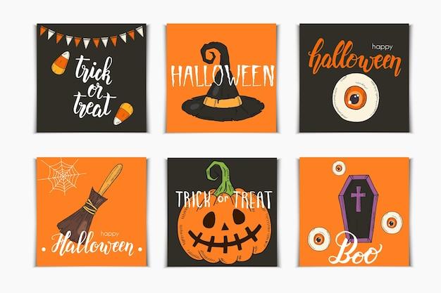 Halloween set uitnodigingskaarten met hand getrokken pictogrammen en belettering. pumpkin jack, heksenhoed, bezem, hoed, snoep, snoepwortels, kist, pot met drankje in schetsstijl.