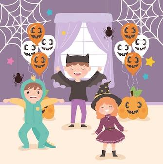Halloweenfeest en kinderen die kostuums dragen