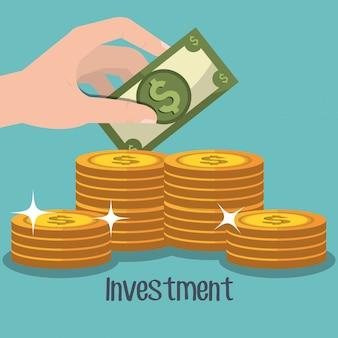 Hand die een dollar met gestapelde gouden muntstukken houdt