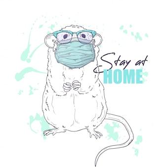 Hand getekende illustratie van de schattige rat in een medisch masker
