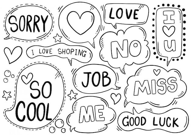 Hand getrokken achtergrond set van schattige tekstballon eith tekst in doodle stijl
