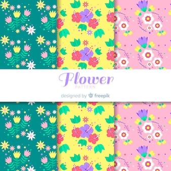 Hand getrokken bloemen en bladeren patroon ingesteld