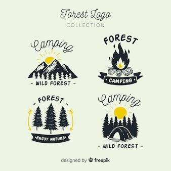 Hand getrokken camping logo-collectie