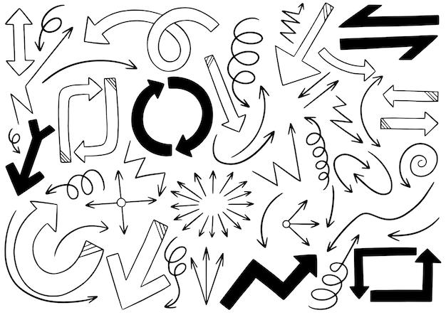 Hand getrokken doodle pijlen set