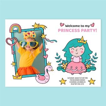Hand getrokken prinses verjaardagsuitnodiging met fotosjabloon