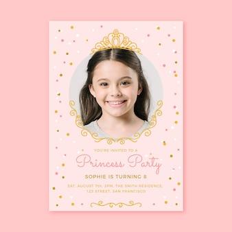 Hand getrokken prinses verjaardagsuitnodiging sjabloon met foto