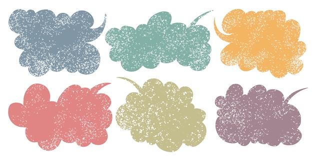 Hand getrokken toelichting wolken. spraak bubbels verschillende vormen en kleuren.