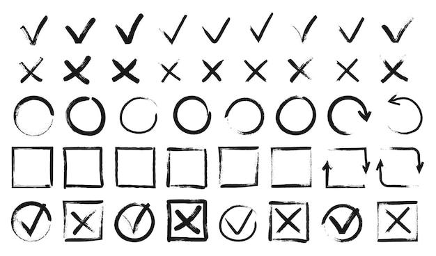 Hand getrokken vinkjes zwarte doodle markeert checklist dozen grunge teek en kruis borden set