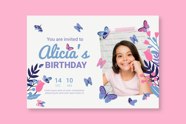 Hand getrokken vlinder verjaardagsuitnodiging met foto