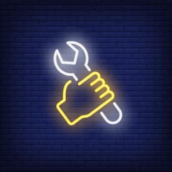 Hand met moersleutel neon teken