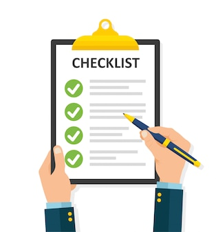 Hand vullen checklist op klembord