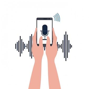 Handen met smartphone en stemassistent