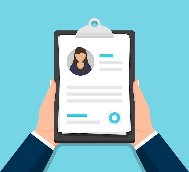 Handen met vrouw hervatten document in klembord in een plat ontwerp