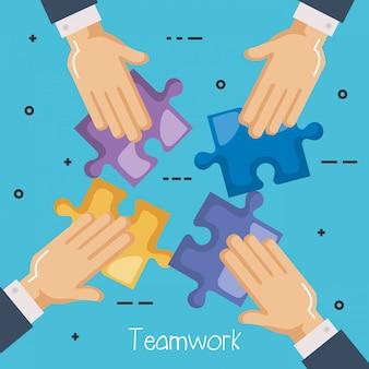 Handen persoon met puzzelspel
