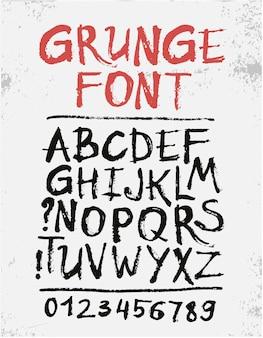 Handgeschreven kalligrafische zwarte inkt grunge alfabet met getallen geïsoleerd