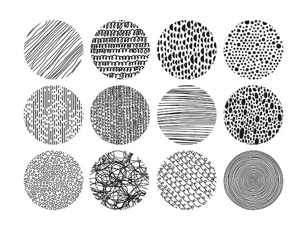 Handgetekende arcering gestippeld en gekrabbel abstracte doodle ronde vectorpatronen
