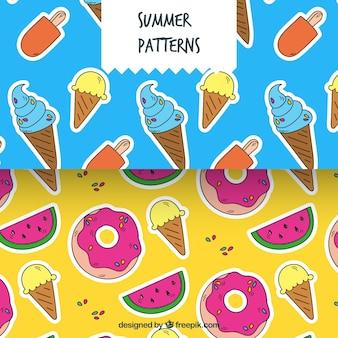 Handgetekende patronen met gekleurde zomerelementen