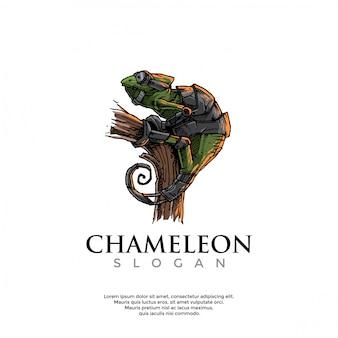 Handgetekende steampunk kameleon logo sjabloon