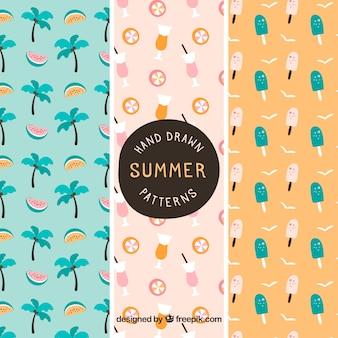 Handgetekende verzameling van drie decoratieve zomerpatronen